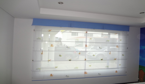 Con materiales exclusivos en Cortinas Romanas